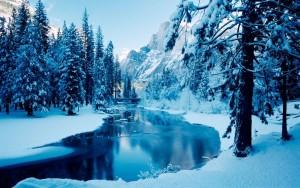 derevya-gory-pejzazh-reka-sneg-zima-27018