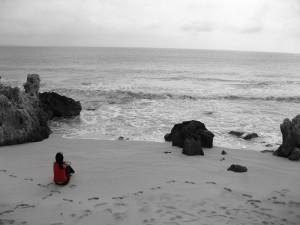 sola-en-la-playa